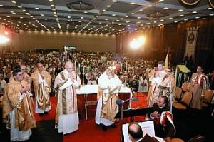 Missa quotidiana, bênção com o Santíssimo Sacramento e adoração permanente: a Eucaristia não deixou de presidir o Congresso nem um só instante