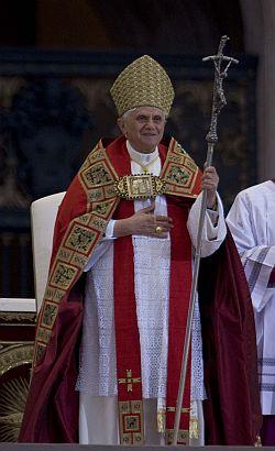 Na pessoa de Pedro, os fiéis procuram Jesus - Papa Bento XVI
