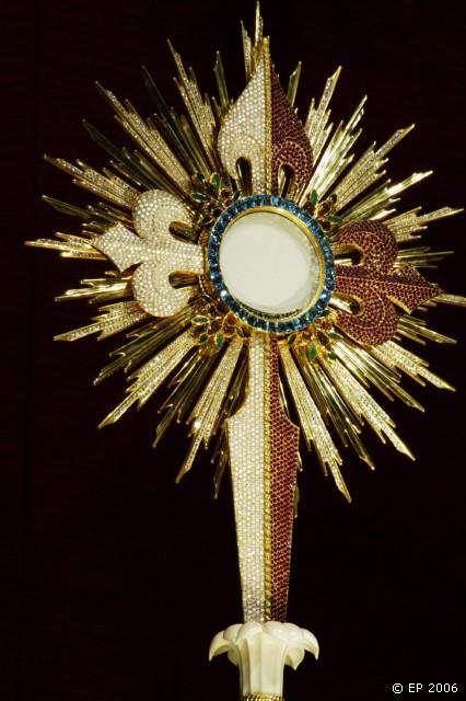 """""""A Eucaristia é a invenção do Amor"""": Primeira Comunhão no Centro Juvenil"""