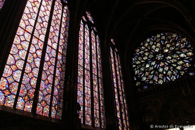 De onde nasce a glória da Igreja?