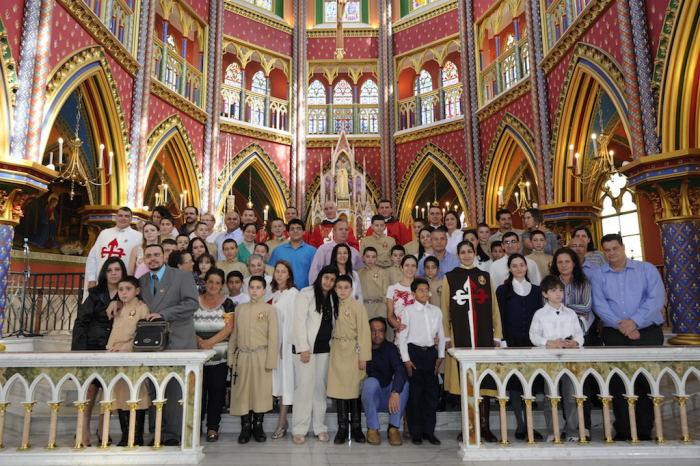 Foto final com consagrados e familiares