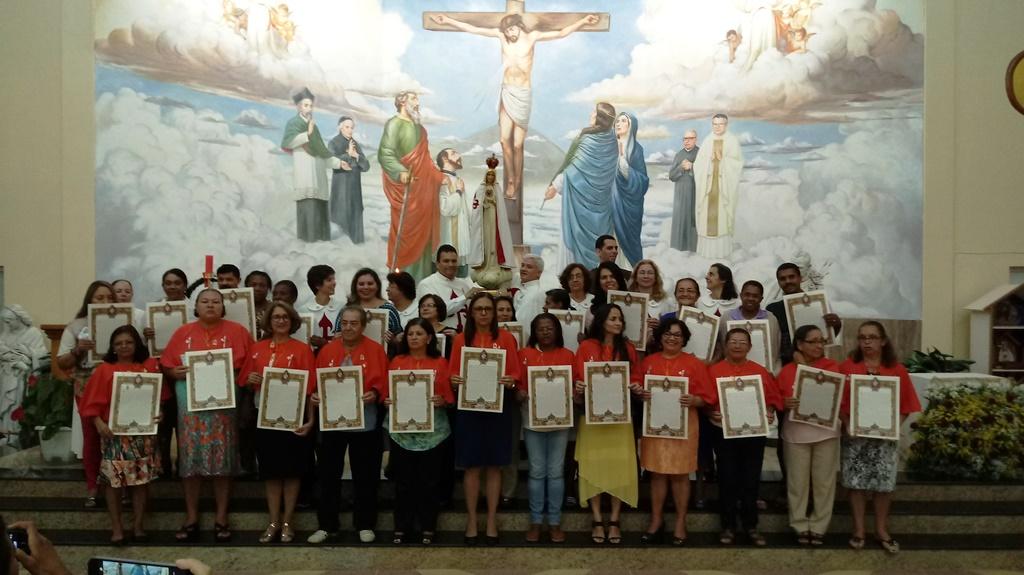 Paróquia Santa Luzia: consagrados à Rainha dos Corações