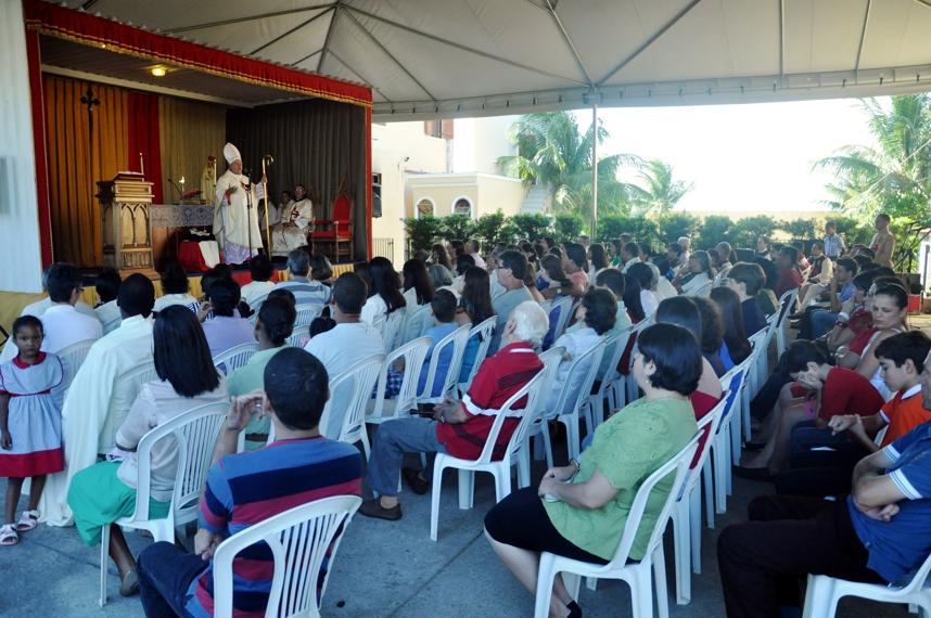 Bispo Diocesano visita Arautos em Campos/RJ