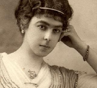 Dona Lucilia em Paris