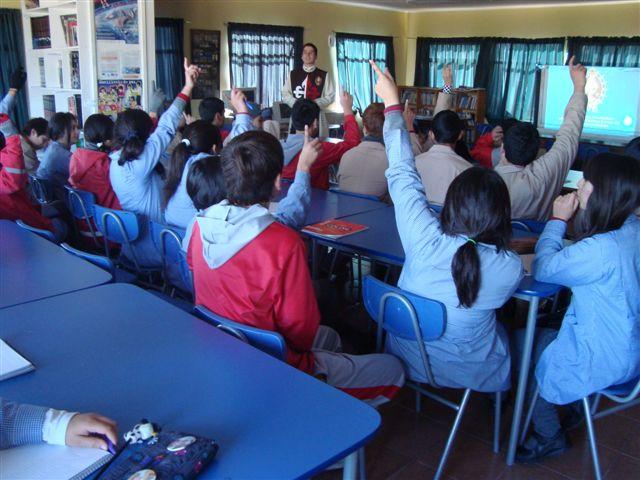 Visita al Colegio Fray Camilo Henriquez en Quilpué