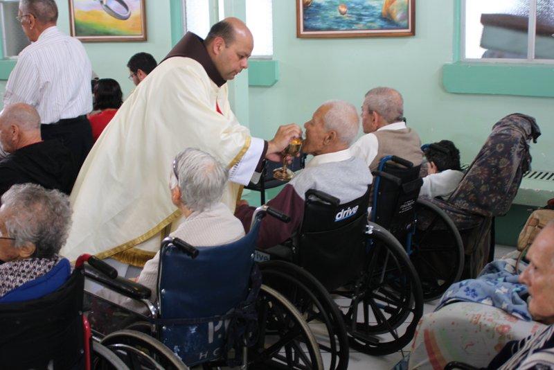Visita al hogar Carlos Maria Ulloa