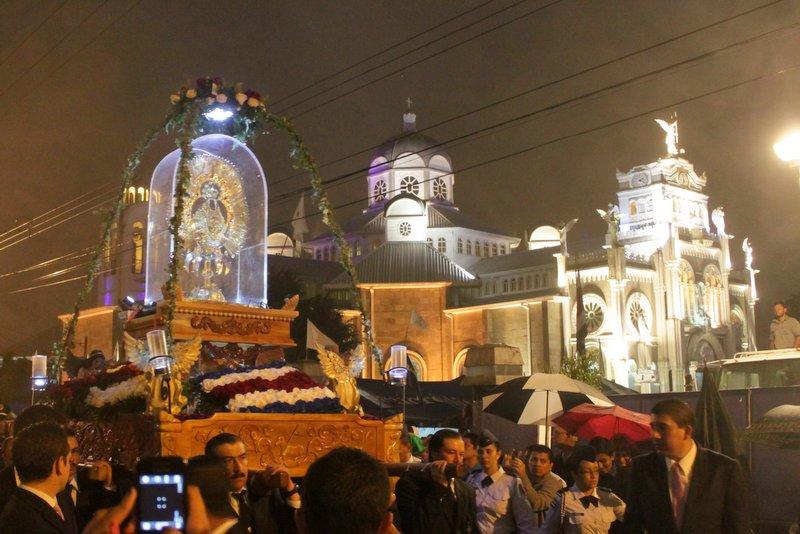 Rosario de la Luz en Cartago
