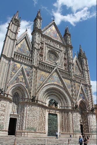 Orvieto: El Milagro Eucarístico con el que se instituyó la Solemnidad del Corpus Christi