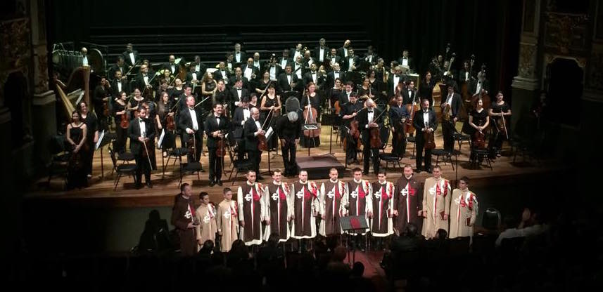 Cantando gregorianos junto a la Orquesta Sinfónica Nacional