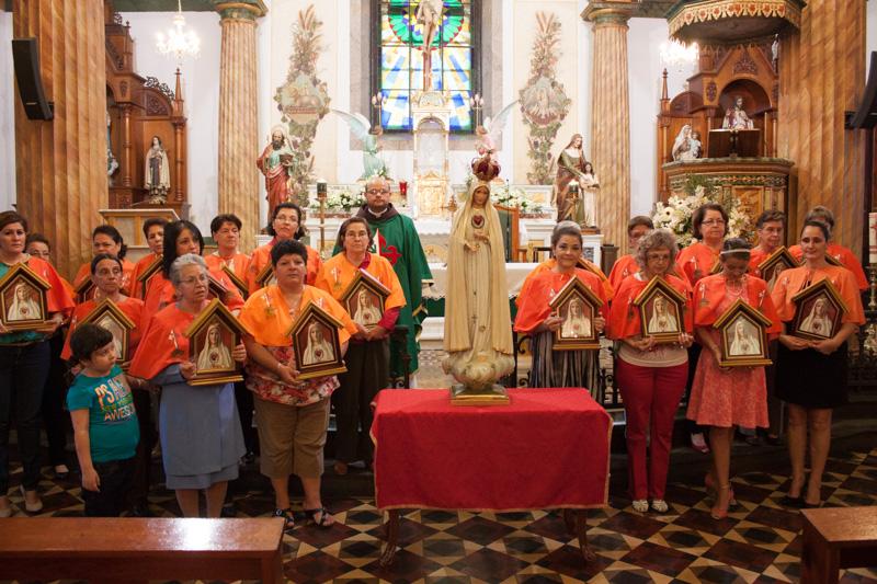 Entrega de 21 oratorios en San Joaquín de Flores, Heredia