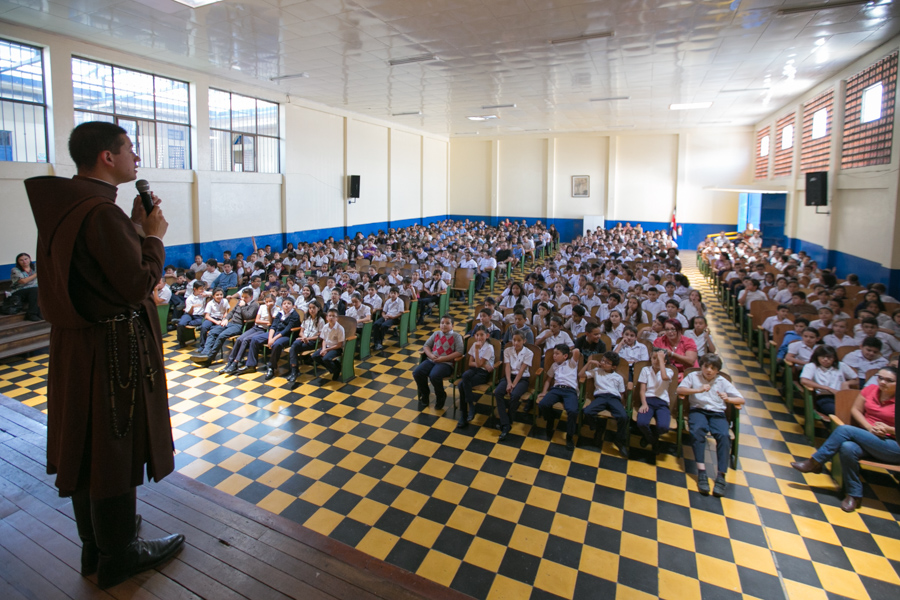 Proyecto Futuro y Vida en la Escuela Porfirio Brenes