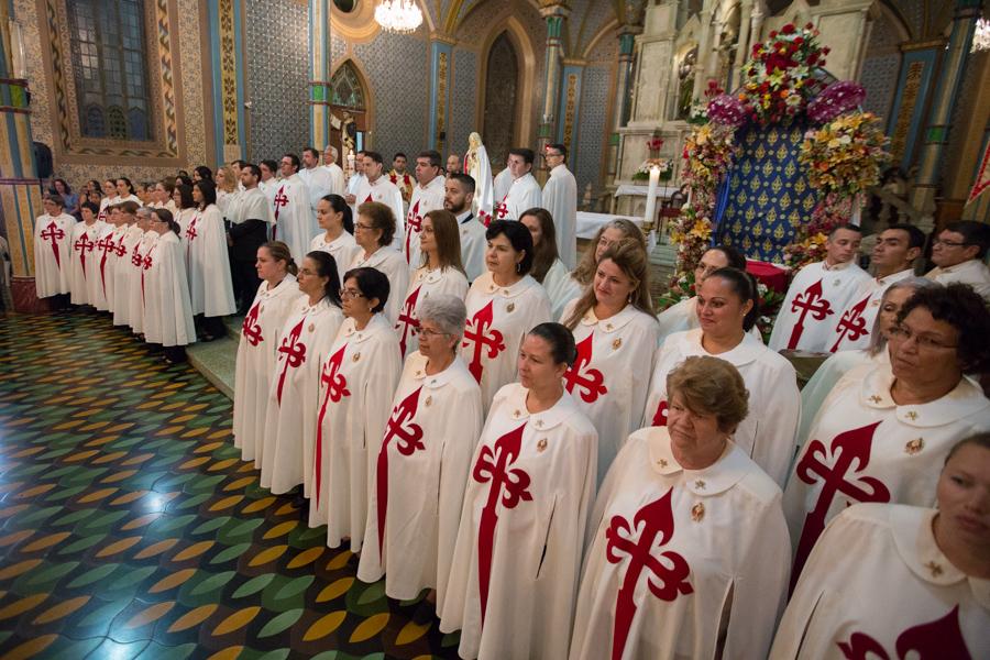 Ceremonia en honor a Nuestra Señora de Fátima
