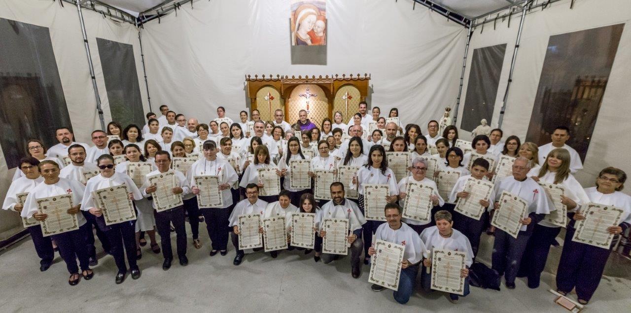 Consagración a María de 82 personas