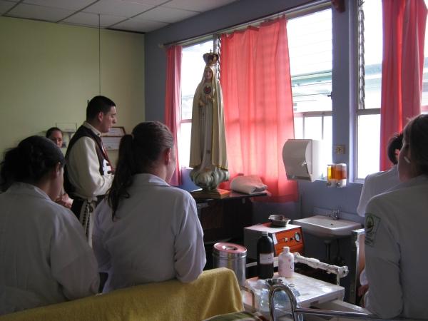 Visita de la Imagen Peregrina al Hospital San Francisco de Asis en Grecia