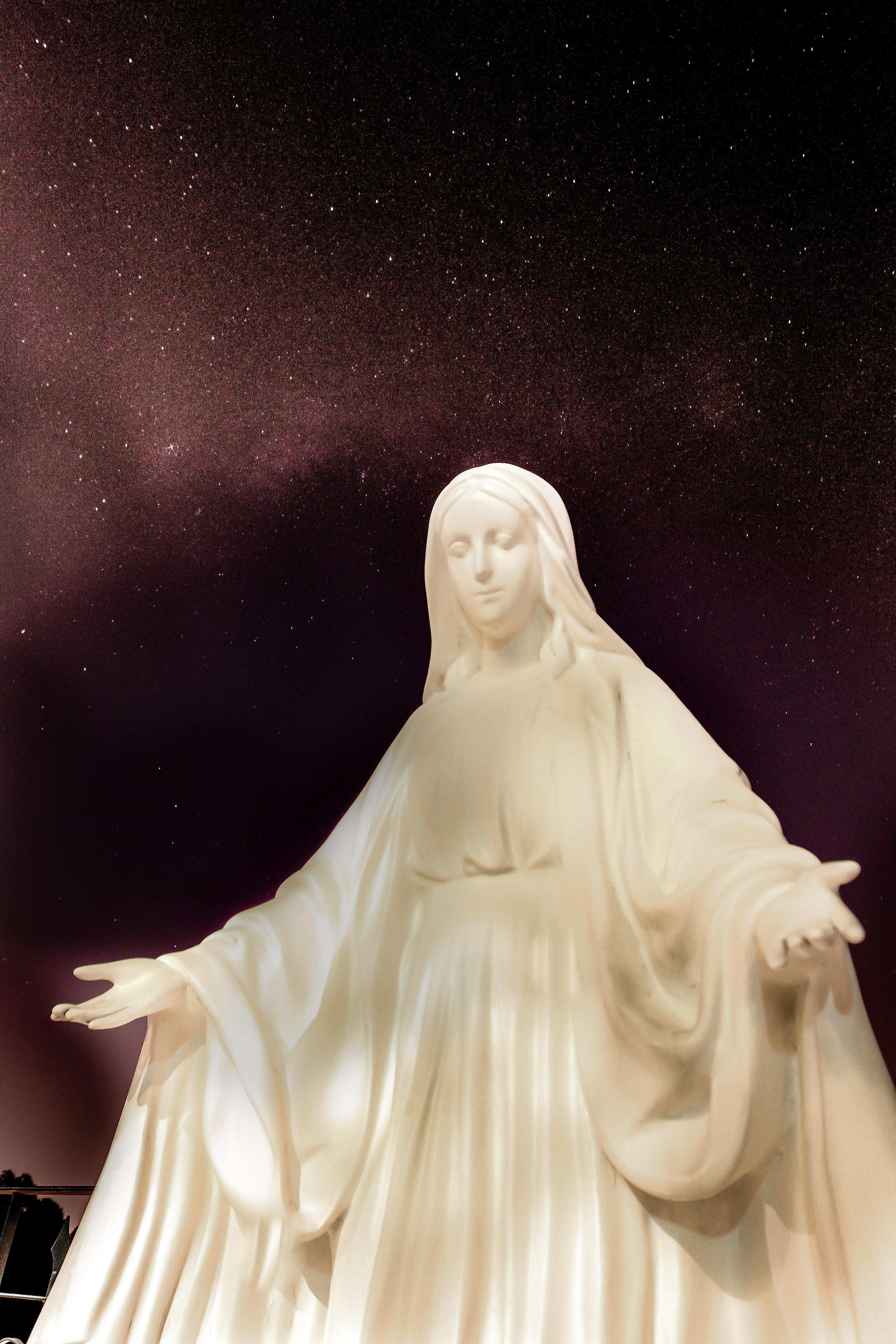 De Maria nunquam satis! – 3