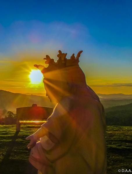 Pôr do sol, casa dos Arautos do Evangelho