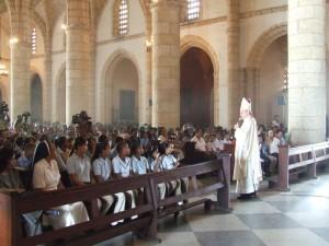 El Cardenal realiza el sermón