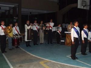 La Banda toca algunas músicas