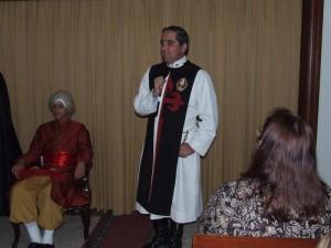 Otro joven representando un personaje del Renacimiento.