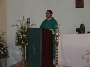 El Diác. Juan Pablo Merizalde EP durante la homilia