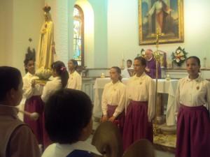 Al final de la Santa Misa se realizó la Coronación de la imagen peregrina de la Virgen de Fátima.