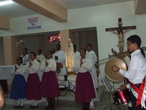 El Coro y Banda de los Heraldos animó la celebración Eucarística con algunas músicas instrumentales y corales.