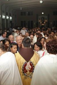 El Rdvo Padre Juan Pablo Merizalde EP con el Publico