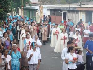 Procesión con la Imagen de la Virgen de Fátima