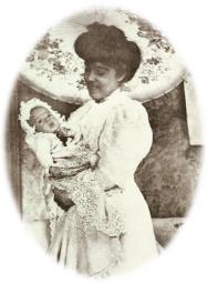 Donna Lucilia con il suo figlio Plinio