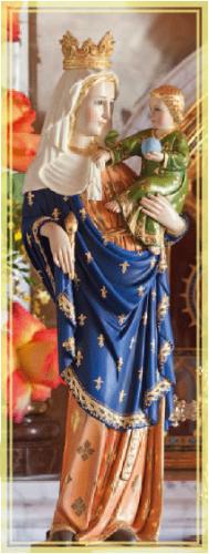 """""""Notre-Dame-di-Parigi""""-Statua-in-legno-policromo-venerata-nella-cappella-privata-del-Palazzo-Cardinalizio-del-Seminario-degli-Araldi-del-Vangelo"""