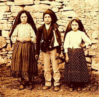 http://mediablogs.arautos.org/fatima/files/2010/04/Os-pastorinhos.jpg