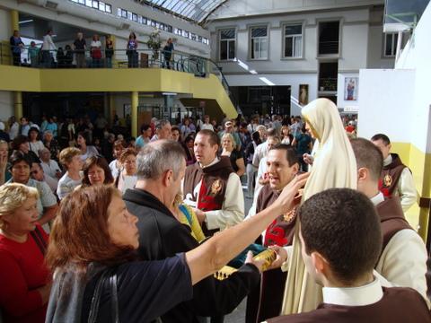 Heraldos en Argentina - Visita al Hospital Dr. Houssay