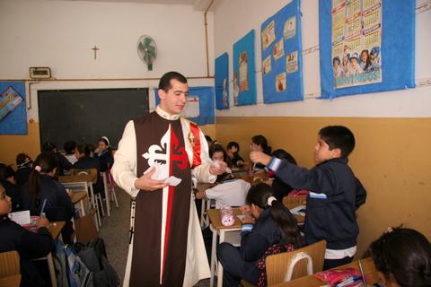 Heraldos en Argentina - Visiata al Colegio N. Sra. de Fátima