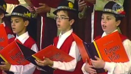 Niños cantores de los heraldos