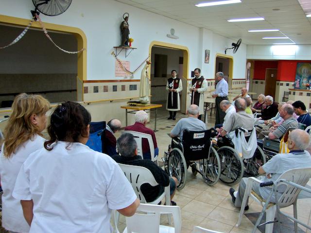 Heraldos del Evangelio - Argentina - Visita al Hogar Don Guanella