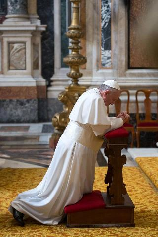 Un Papa Mariano! Nuestra Señora de Luján, ruega por el Papa Francisco.