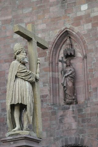 Imperador Constantino e Santa Helena em Kaysersberg, Alsacia, França