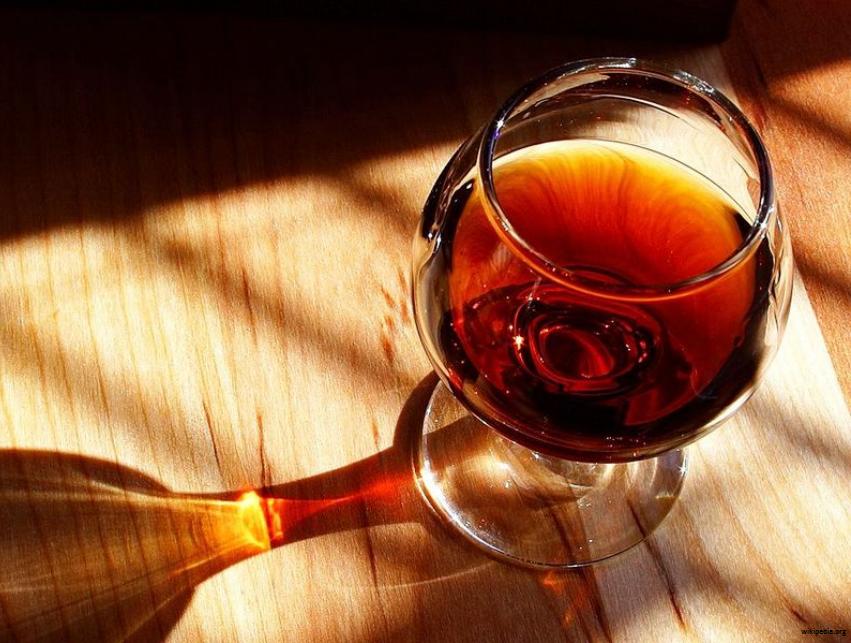 Vinho_Vino_Wine_Wim_Wein_Porto_oinos_Vin_Glas_taca_tazza_verre_taza