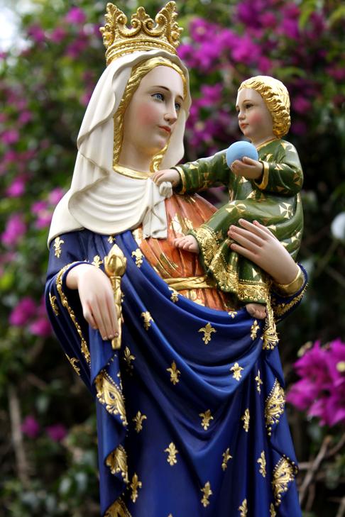 A devoção a Nossa Senhora atrapalha a devoção a Jesus Cristo?