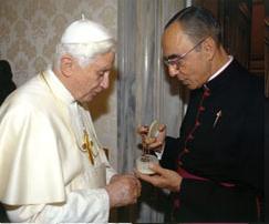 Papa e Mons Joao Cla_3
