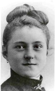 Santa Teresinha jovem