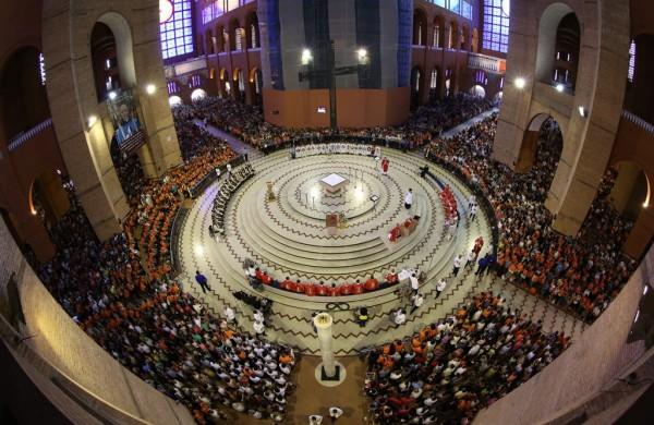Missa Solene da Peregrinação no Santuário de Aparecida