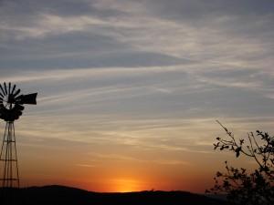 """""""Do nascer do sol até o seu ocaso, louvado seja o nome do Senhor"""""""