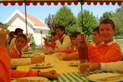 Almoço nos jardins da Sede