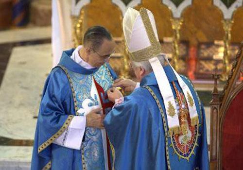 """Mons. João Clá Dias é condecorado com a medalha """"Pro Ecclesia et Pontifice"""""""