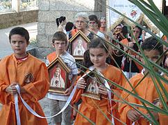 Participação das crianças com o Mini-Oratório