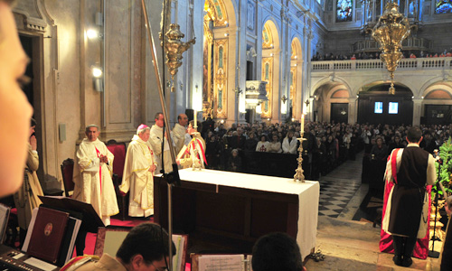 Missa presidida por D. Joaquim Mendes, bispo auxiliar de Lisboa
