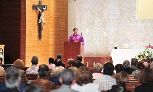 Missa presidida pelo P. Luis Miguel Hernández