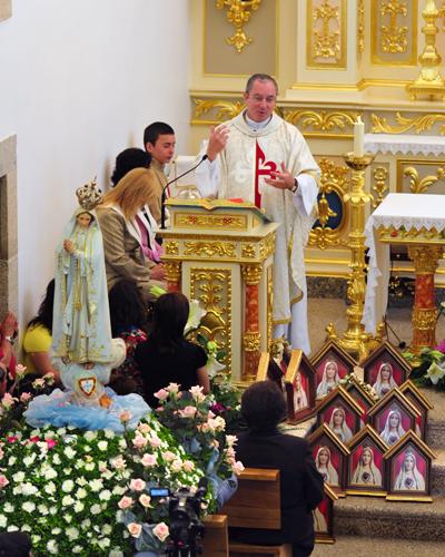 P. Luiz Henrique presidiu a Eucaristia