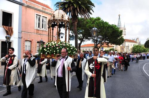 Procissão em honra de Nossa Senhora do Cabo